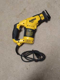 Dewalt Reciprocating Saw Compact 12 Amp DWE357 for Sale in Lynnwood,  WA