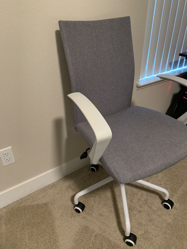 White swivel office chair