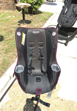 Nice Graco car seat expires 2020 or later lbs 4 to 70 lbs been washed heavy duty for Sale in Fayetteville, NC