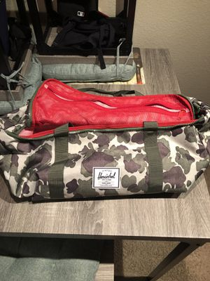 Herschel camo duffle bag 40 great condition for Sale in Glendale, AZ