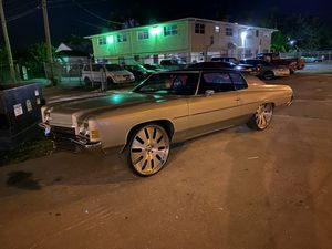 1972 Chevy impala donk for Sale in Belle Isle, FL