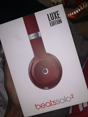 Beats solo 2 luxe edition for Sale in Hazelwood, MO