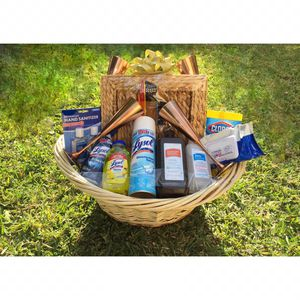 ~Dinning Theme Care Basket   4 Square Charger Plates Included for Sale in Diamond Bar, CA