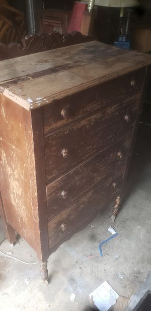 Chest of drawers for Sale in Farmerville, LA