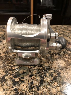 Avet LX 6.0 lever drag casting fishing reel for Sale in Rancho Cucamonga, CA