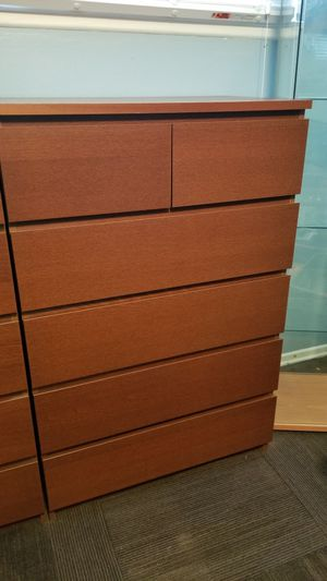 2 identical almost new chest of 6 drawers for Sale in Sylmar, CA
