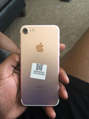 iPhone 7 rose gold for Sale in Shaker Heights, OH