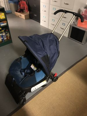 Triple play car seat / stroller (Tribeca Manhattan) for Sale in New York, NY