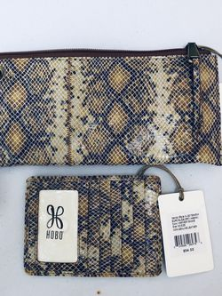 NWT HOBO 2 Pc Set Wristlet And CC Wallet for Sale in Miami,  FL