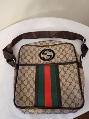 Messanger bag text me for price for Sale in Doral, FL