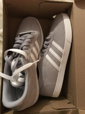 Adidas women sz 9 brand new for Sale in Lawrenceville, GA