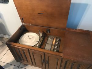 Zenith Vintage Radio Stand for Sale in Fontana, CA