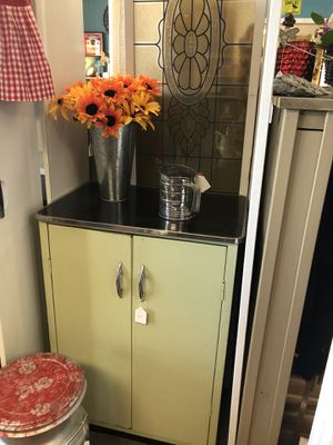 Vintage Metal Cabinet for Sale in Byrnes Mill, MO