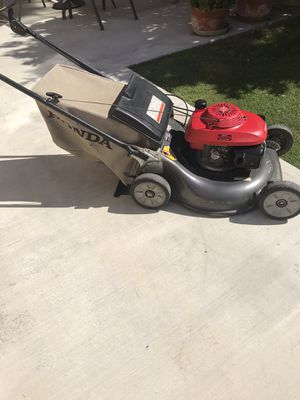 Lawn mower self propelled in good condition for Sale in Downey, CA