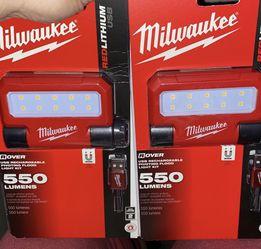 Milwaukee Flashlights 🔦 550 Lumens for Sale in Houston,  TX