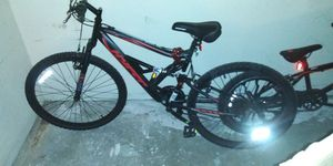 MOUNTAIN BIKE...RIDEN ONCE...QUALITY/STURDY...WORKS PERFECTLY...CASH/TRADE... for Sale in Las Vegas, NV