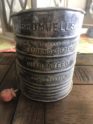 Antique flour sifter for Sale in Modesto, CA