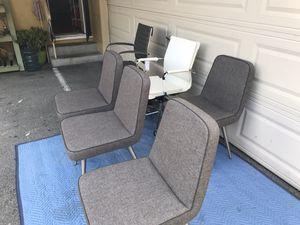 Juego de sillas no nunca fueron usadas nuevas muy baratas for Sale in Hayward, CA