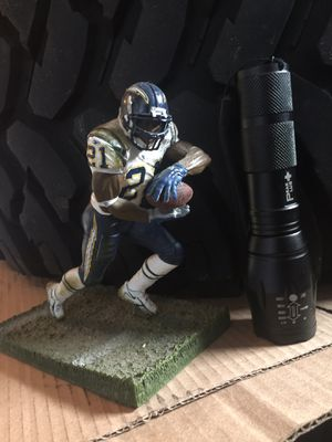 LT collectable plastic statue for Sale in Chula Vista, CA