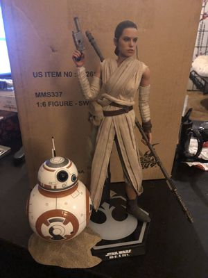 Hot Toys MMS337 - Rey & BB-8 (Star Wars Episode VII - The Force Awakens) 1/6 Scale Figure Set for Sale in Colton, CA