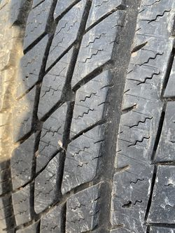 2 Toyo Open Country HT 215/70R16 for Sale in East Wenatchee, WA