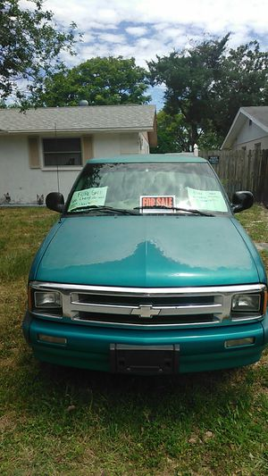 96 Chevy s10 for Sale in Port Richey, FL