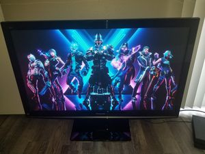 50 in Panasonic TV w Base and Remote for Sale in Arlington, TX