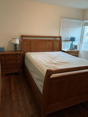 Queen sleigh bedroom set for Sale in El Cerrito, CA