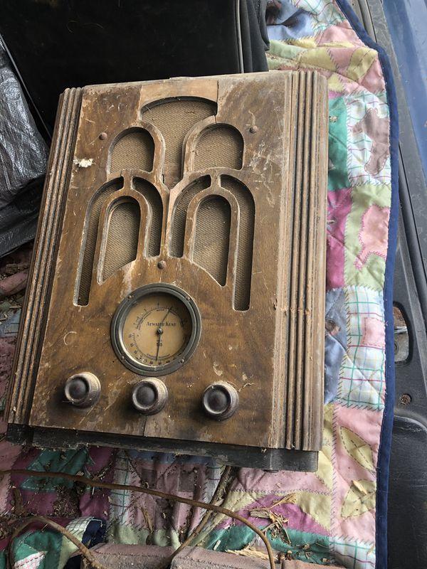 1935 Atwater Kent Radio