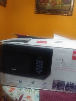 0.7 cu ft Microwave. 700 watts for Sale in Houston, TX
