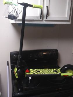 GoTrax Kids Electric scooter for Sale in Martinsburg,  WV