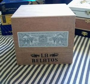 LA RELATOS LARGE SIZE WOODEN CIGAR BOX for Sale in Orange, CA
