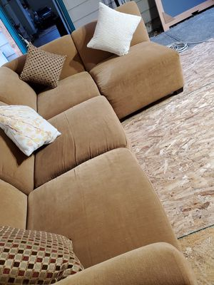 Small sectional couch for Sale in Lynnwood, WA