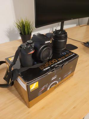 Nikon D3500 18-55mm 3.5-5.6 Lens Kit for Sale in Miami, FL