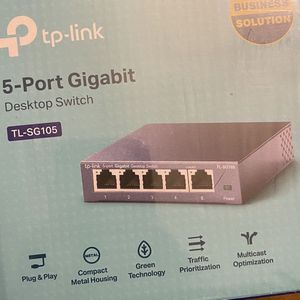 Brand New 5 Port Switch for Sale in Seattle, WA