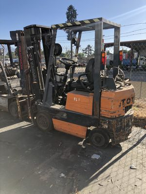 FORKLIFT PACKAGE DEAL-PROPANE for Sale in Phillips Ranch, CA