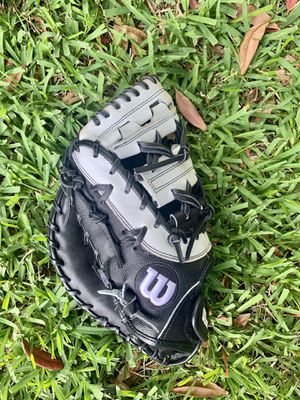 Wilson Softball A2000 FirstBase Glove (lefty) for Sale in Saint Johns, FL