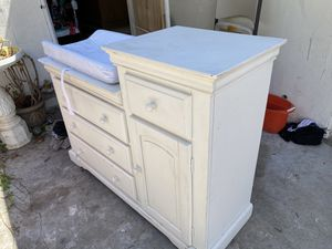Baby changing table for Sale in La Mesa, CA