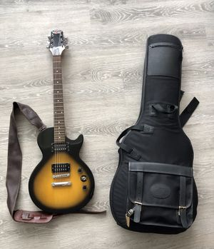 Epiphone Les Paul Guitar w/ Bag & Marshall Amp MG250DFX for Sale in Charlotte, NC
