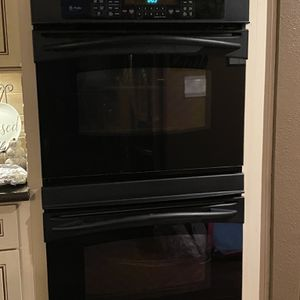 Double Oven Black for Sale in Manteca, CA
