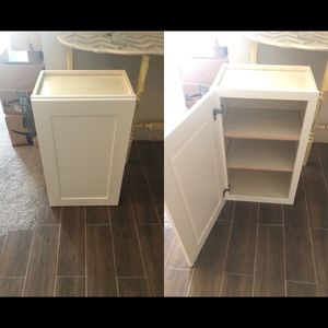 Upper and lower slam proof Cabinets! for Sale in Dallas, TX