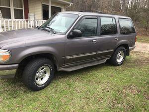 1996 Ford Explorer XLT for Sale in Buffalo, SC