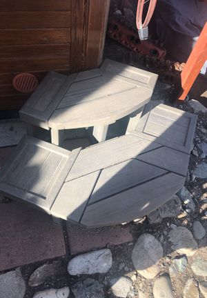 Hot tub half circle plastic sturdy steps for Sale in Duarte, CA