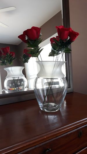 """❤🌷❤🌷❤new 10 """" Sturdy Glass flower vase half frosted for Sale in Chula Vista, CA"""