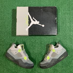 Jordan 4 SE Neon (Size 9.5) VNDS OG ALL for Sale in Princeton, NJ