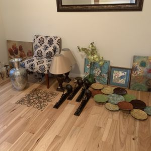 Large Assortment of Home Decor for Sale in Tacoma, WA