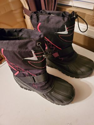 Girls snow boots size 2 and 13 for Sale in San Diego, CA