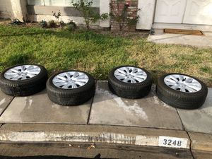 Range Rover tires and rims for Sale in Las Vegas, NV