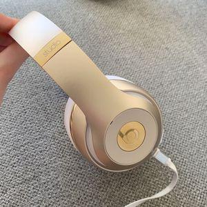 Gold & White Beats Studio Wireless for Sale in San Luis Obispo, CA