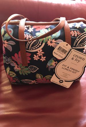 Crown and Ivy Lunch Kit: Brand New Never Used for Sale in Chesterfield, VA